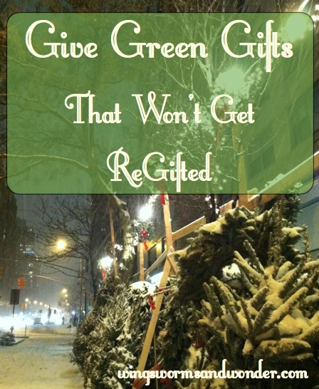 green gifts graphic