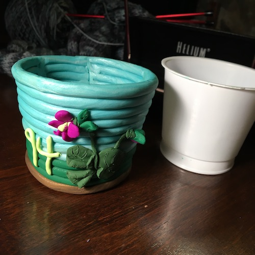 Grow a tiny quarantine garden this Wonder Wednesday 92 with pretty cup sleeves in 4 easy Wings, Worms, and Wonder steps!