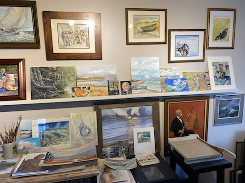 Join Wings, Worms, and Wonder on a studio visit! Artist's studios are like peeks into their minds. I am very happy to introduce you to octogenarian painter Gary Mahan. Click to join me in his studio!